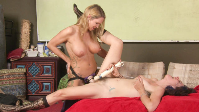 Lesbian Coition Schooling – Strap On