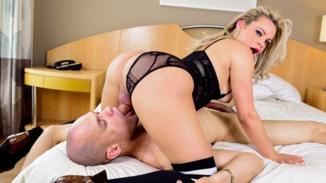 Lusty T-lamb Plows Muscle Stud