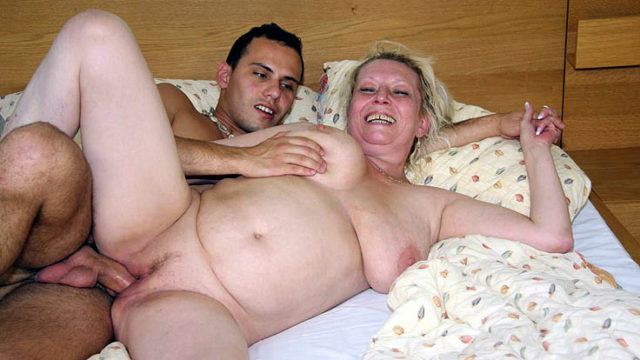 Lusty Grannie Snatch Penetrated