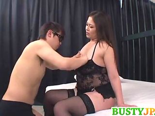 Yuuki Chesty Deep-throats Pipe In 69